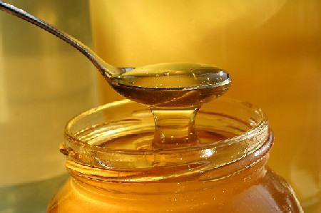 راه تشخیص عسل طبیعی از تقلبی